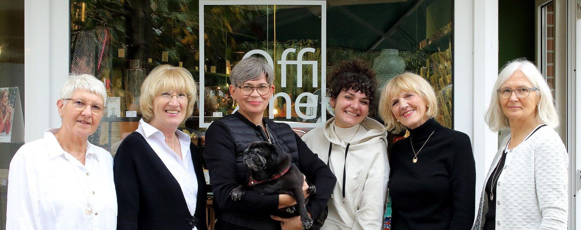 Mitarbeiterinnen mit der Inhaberin Anette Gundlach