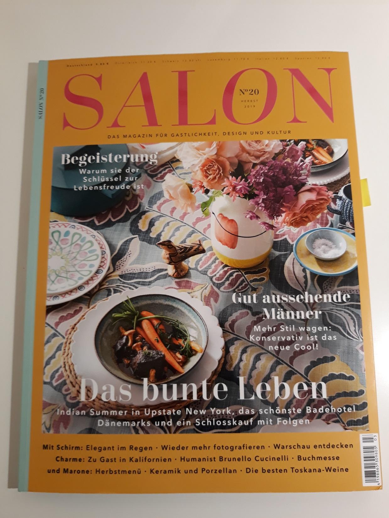 Titelseite des Magazins Salon Ausgabe 20 mit einem bunt gedeckten Tisch